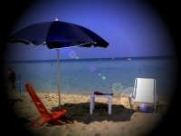 La spiaggia di Capaci sotto il sole di settembre (sett 2005) XXV  - Capaci (5733 clic)