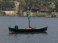 luntro Il Luntro. Tipica imbarcazione da pesca,utilizzata fino alla fine degli anni 50 solo dai pescatori Ganzirroti e Calabresi insieme alla Felugaper la cattura del pescespada con l'arpione  - Ganzirri (14736 clic)
