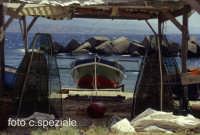 capanna per ricovero attrezzature marine in riva allo Stretto  - Ganzirri (4741 clic)