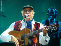 Notte di Capodanno 2007 a piazza Duomo.Renzo Arbore(1).  - Messina (2699 clic)