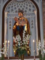 Particolare della Statua di San Giuseppe, recentemente restaurata. Statua in legno risalente al 700, si trova all'interno dell'altare principale della Chiesa di San Giuseppe.  - Lercara friddi (5503 clic)