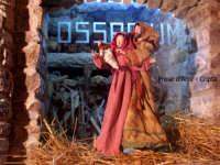 Chiesa Madre Maria SS.della Neve in Piazza Duomo. I Presi d'Arte; Sullo sfondo un Ossario ricavato dentro alla Cripta   - Lercara friddi (1945 clic)