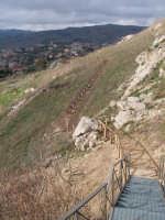Ancora un particolare del sentiero che conduce al Sito Sikano Sul Colle Madore dopo gli ultimi lavori.(febbraio 2009).  - Lercara friddi (5197 clic)