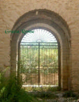 Particolare porta di entrata della Casina  - Villafranca sicula (4170 clic)