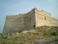 Immagine ravvicinata di uno dei lati del Castel Sant'Angelo.  - Licata (2065 clic)