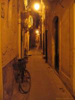 Uno dei caratteristici vicoli di Ortigia  - Siracusa (5184 clic)
