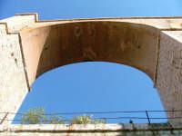 Ponte sul torrente gallo della ferrovia oramai abbandonato - un vero peccato.  - Villafranca tirrena (6043 clic)