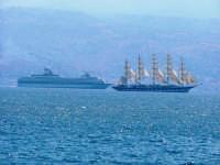 Navi in transito sullo Stretto di Messina MESSINA Antonio Di Gangi