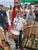 il piu' piccolo di una famiglia di tamburinari   - Aspra (10378 clic)