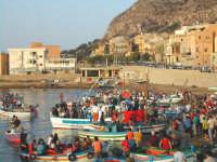 preparativi per la processione a mare della madonna  - Aspra (10648 clic)