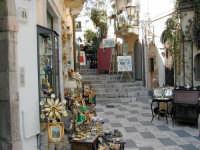 angolo dell'artigianato  - Taormina (4030 clic)