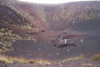 uno dei primi crateri incontrati nell'ascesa dell'Etna  - Etna (5378 clic)