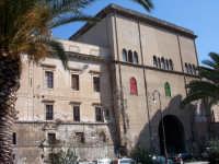 Palazzo Forcella-De Seta e la Porta dei Greci  - Palermo (5750 clic)