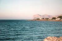 panorama del litorale di Carini (da notare isola delle Femmine in lontananza)  - Carini (5603 clic)