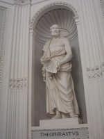 Orto botanico. Statua all'interno del Gymnasium PALERMO Salvatore Riva