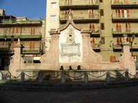 Misilmeri. Fontana del 700 in piazza Guastella  - Misilmeri (4185 clic)
