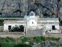 Riserva naturale di Capo Gallo sentiero Marinella-faro. Il faro  - Palermo (7917 clic)