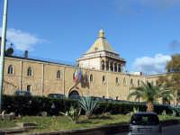 Palazzo dei Normanni (o palazzo Reale). In fondo la cupola di Porta Nuova PALERMO Salvatore Riva