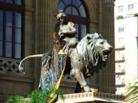 Teatro Massimo.statua sulla scalinata d'ingresso PALERMO Salvatore Riva
