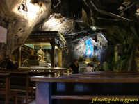 Monte Pellegrino - Interno del Santuario di S.Rosalia - la grotta è tappezzata di grondaie in zinco che raccolgono l'acqua che trasuda dalle pareti, considerata miracolosa.  - Palermo (4692 clic)