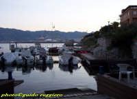 porticciolo all'Arenella - sullo sfondo il porto PALERMO Guido Ruggiero