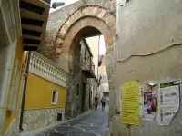 Arco della Porta Torre  - Caronia (3423 clic)