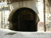 Arco in Piazza Roma  - Caronia (4480 clic)