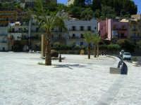 Piazza Caronesi nel Mondo  - Caronia (4491 clic)