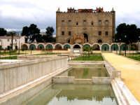 La Zisa, edificio del XII secolo, risale al periodo della dominazione normanna in Sicilia. La sua co