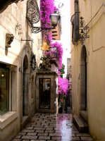 Vicoli su Corso Umberto I.  - Taormina (6522 clic)