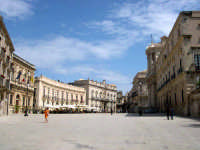 Siracusa Ortigia - Piazza Duomo.  - Siracusa (1911 clic)