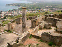 Resti della città fondata dai Cartaginesi (IV sec A.C.) dopo un secolo passa sotto il dominio romano.  - Solunto (6818 clic)