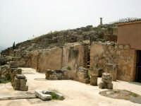 Resti della città fondata dai Cartaginesi (IV sec A.C.) dopo un secolo passa sotto il dominio romano.  - Solunto (6916 clic)