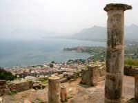 Resti della città fondata dai Cartaginesi (IV sec A.C.) dopo un secolo passa sotto il dominio romano.  - Solunto (6100 clic)