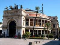 Teatro Politeama  Garibaldi. Progettato da Giuseppe Damiani Almeyda nel 1867, fu ultimato nel 1891