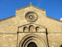La chiesa di San Francesco d'Assisi è situata in un antico quartiere mercantile che, nel passato, ra