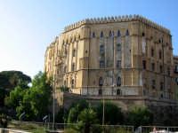 Antica fortezza punica, romana e bizantina, fu per qualche tempo,il castello degli emiri arabi. All