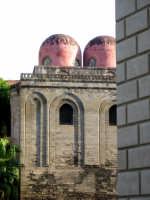 San Cataldo. La chiesa fu edificata poco dopo il 1154 al tempo di Guglielmo I, dall'Ammiraglio Majon