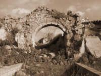 Rudere vecchio casale (Vecchio Centro)  - Montevago (5057 clic)
