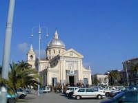 La Piazza e il Duomo di San Leonardo Abate  - Mascali (4092 clic)