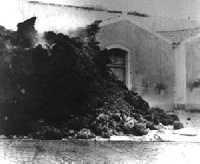 6 Novembre 1928, la lava invade e distrugge l'abitato.  - Mascali (5735 clic)