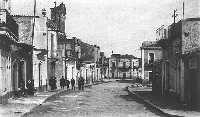 La via Dante nei pressi della piazza Duomo nella Mascali prima della distruzione.  - Mascali (6059 clic)