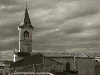 La chiesa di Sant'Antonino nell'omonimo quartiere, risparmiato dalla colata lavica del 1928, è tutto ciò che oggi rimane dell'antica Mascali.  - Mascali (5581 clic)