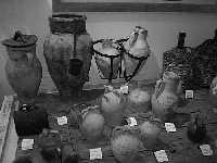 Anfore e manufatti vari esposti al museo di civiltà contadina  - Savoca (4858 clic)