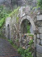 Ruderi di un'antica Sinagoga ebraica  - Savoca (10232 clic)