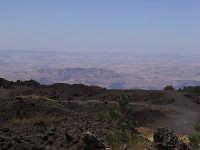 Etna, sciara e veduta sulla Sicilia interna  - Etna (2834 clic)