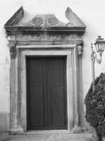 antico portale della chiesa madre  - Basicò (6648 clic)