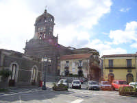 Piazza Duomo  - Sant'alfio (3296 clic)