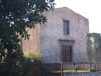 Antica chiesa risalente al XVI-XVII secolo dedicata a San Matteo Apostolo un tempo canonicamente sottoposta a Macchia, recentemente restaurata e riaperta al culto.  - Trepunti di giarre (4751 clic)