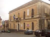 Il palazzo del Municipio  - Castiglione di sicilia (3203 clic)